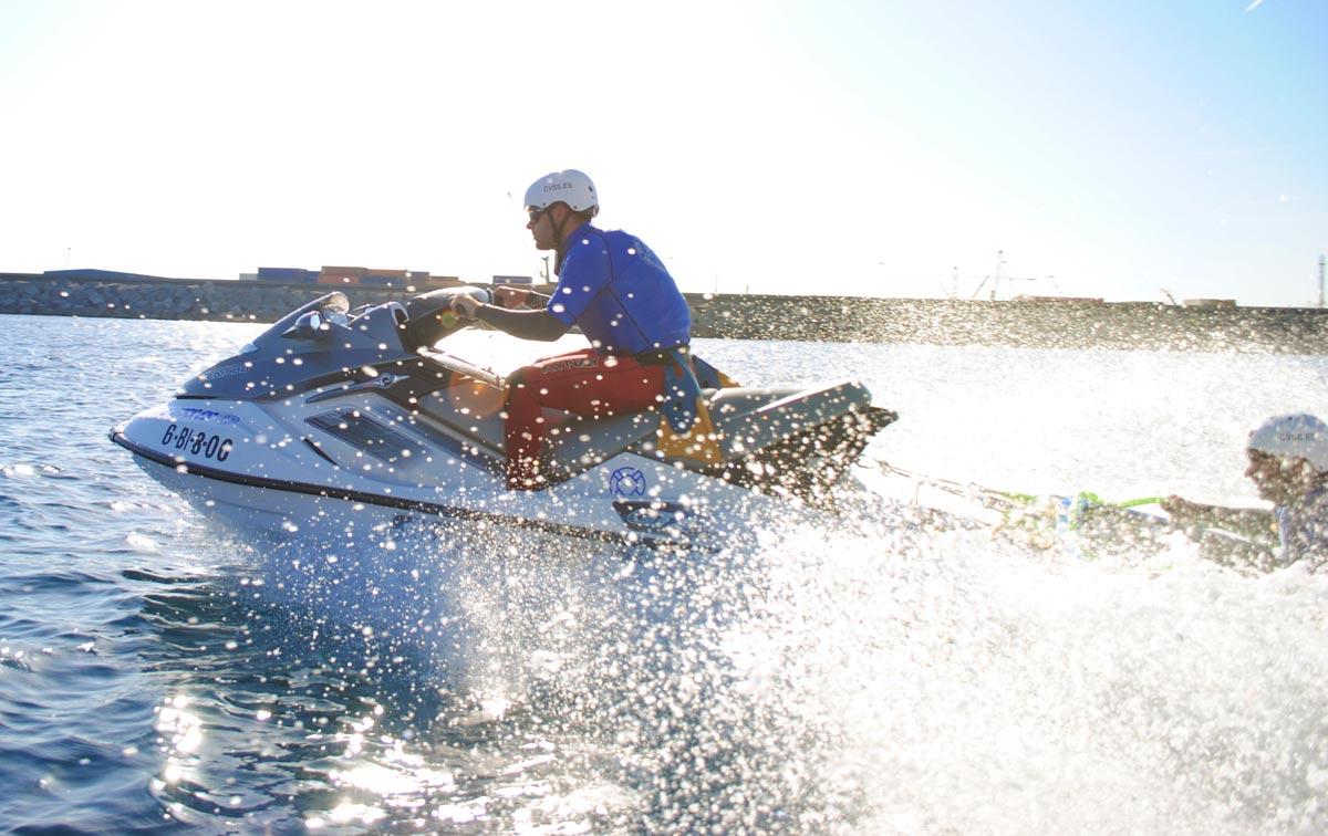 socorrista-moto-de-agua